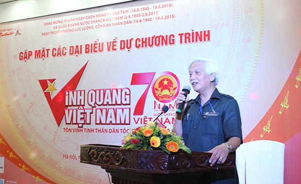 Ông Dương Trung Quốc phát biểu giao lưu với các Doanh nhân tiêu biểu tại hội nghị